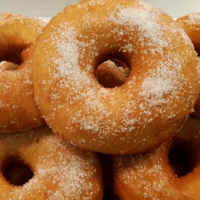 Λουκουμάδες με ζάχαρη νηστίσιμοι