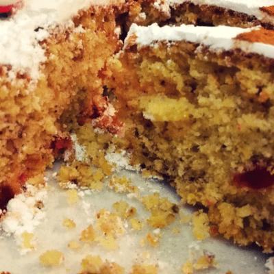 Νηστίσιμο κέικ με αποξηραμένα φρούτα και καρύδια