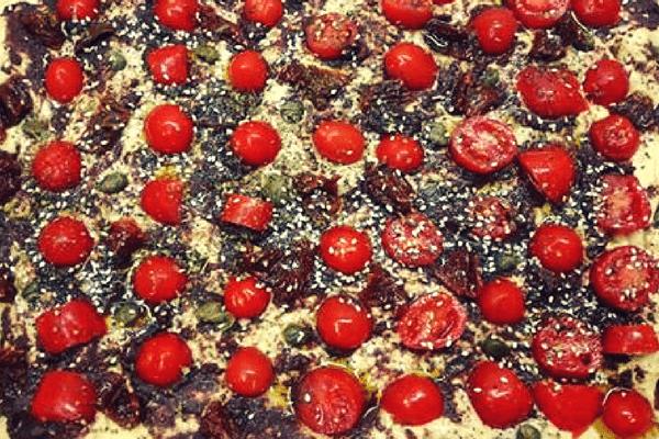 Λαγάνα σε στυλ πίτσας