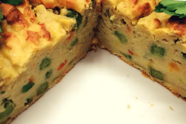 Αλμυρό κέικ με αβοκάντο και λαχανικά